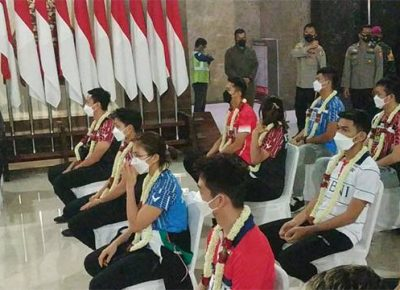 Tiba di Tanah Air, Tim Bulu Tangkis Indonesia Disambut Bak Juara All England